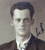 Dembek Max