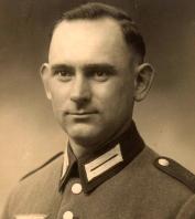 Peterek August